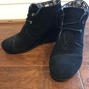Toms Black Booties size 8